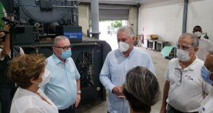 diaz-canel checks on oxygen production plant